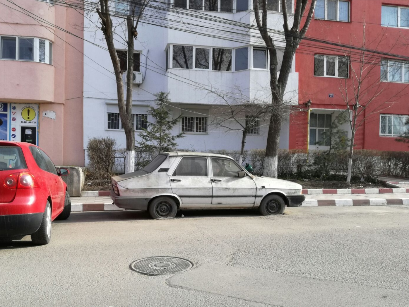 Proiect privind ridicarea mașinilor abandonate din Năvodari
